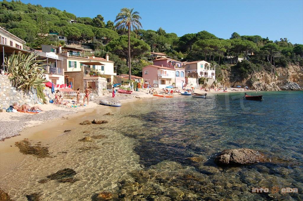 Spiaggia di Forno all\'Isola d\'Elba, a Portoferraio