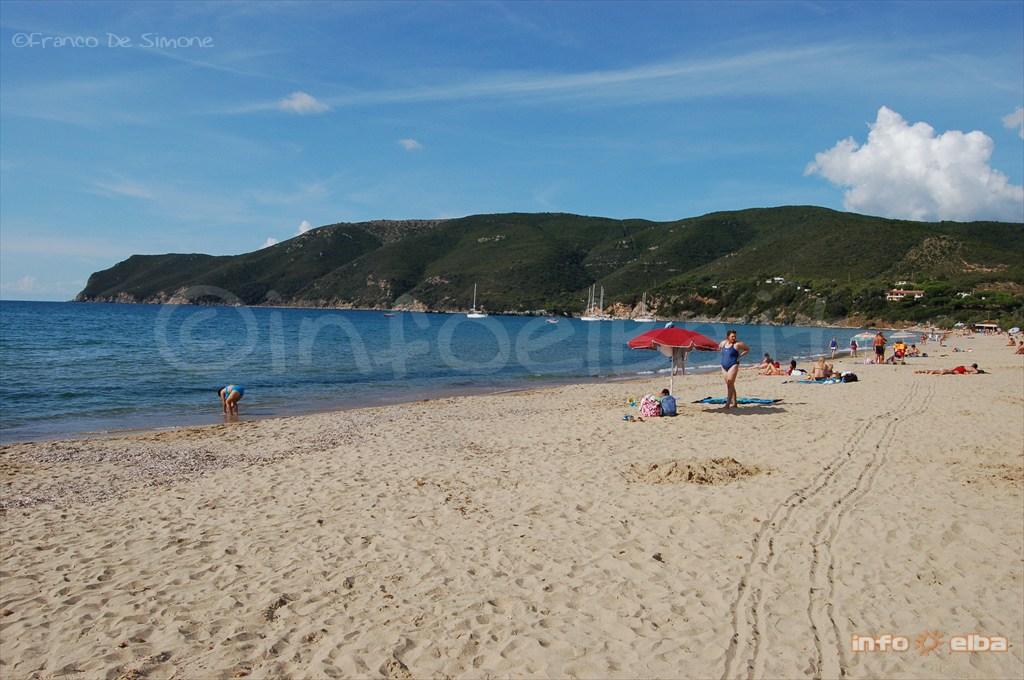 Spiaggia Di Lacona All Isola D Elba A Capoliveri
