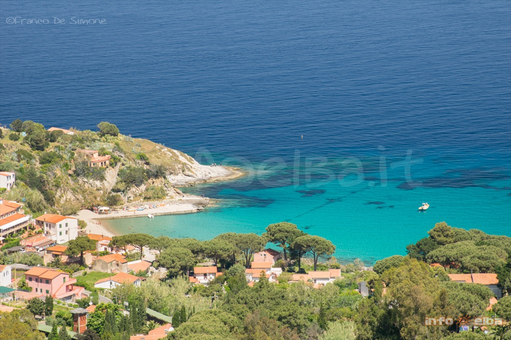 Spiaggia Di Sant Andrea All Isola D Elba A Marciana