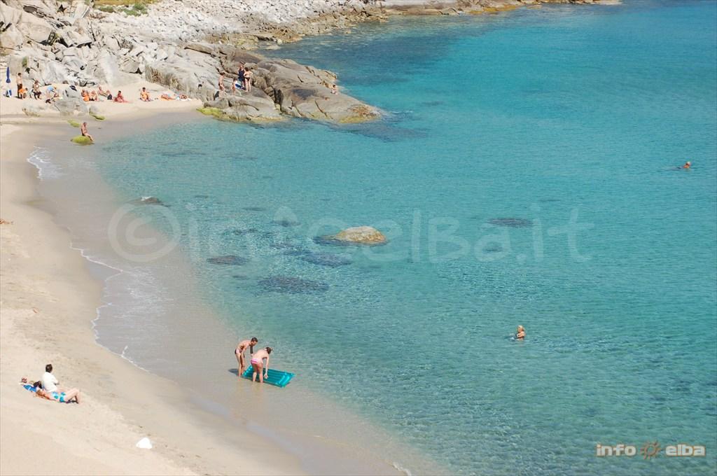Spiaggia Di Seccheto All Isola D Elba A Marina Di Campo