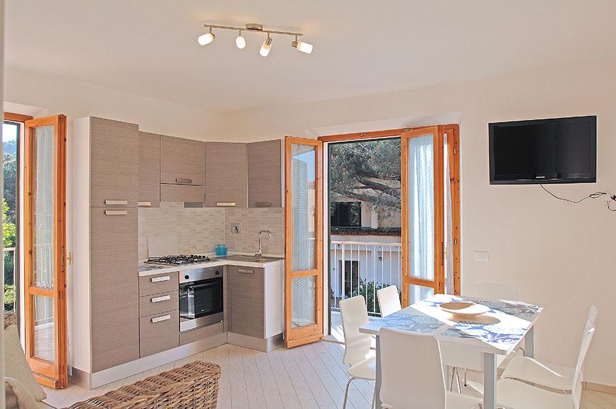 Appartamenti casa pineta all 39 isola d 39 elba a marina di for Immagini di appartamenti ristrutturati